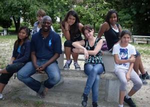 ragazze e ragazzi stranieri