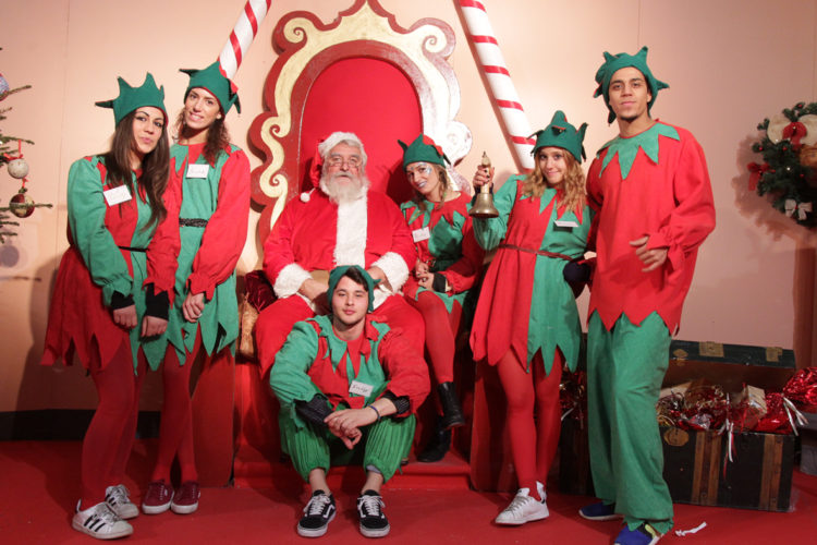 Babbo Natale E Gli Elfi.Casting Elfo Di Babbo Natale Per Uomini E Donne A Torino